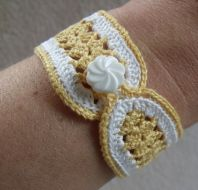 Crochet Bracelet Patterns - Fans