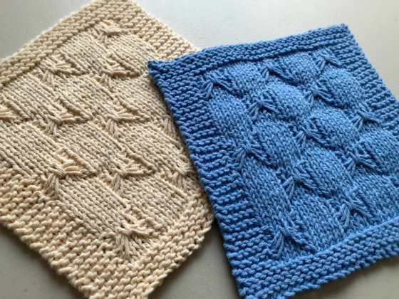 Knitted Dishcloth Pattern - With Bows!