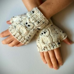 beige owl knitted fingerless gloves