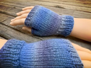 knitting pattern - How to knit fingerless gloves